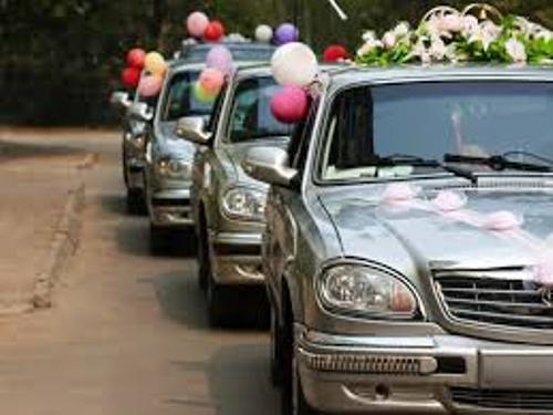 Arrange Wedding Car With Balloons