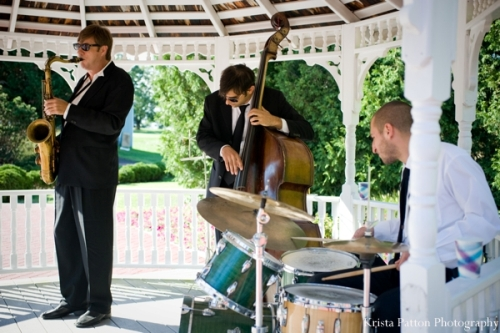 How To Arrange Music for a Wedding Reception
