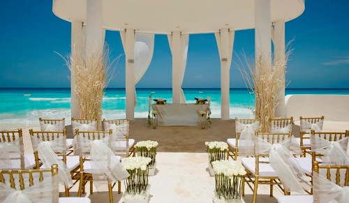 How to Arrange Wedding Abroad Beach