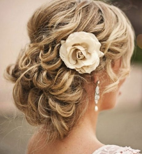 How to Create Wedding Hairstyles for Long Hair Flower