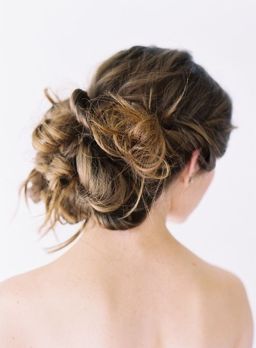 How to Create Wedding Hairstyles for Long Hair