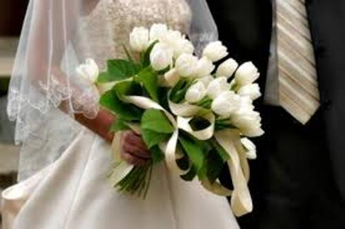 How to Create a Hand Tied Wedding Bouquet in White