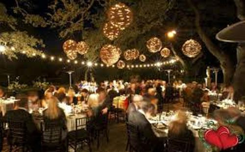 How to Decorate a Backyard Wedding Reception