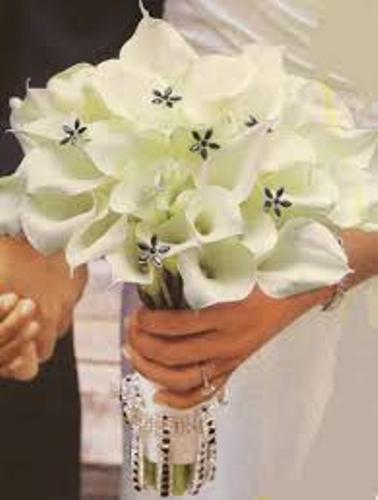 How to Make a Wedding Bouquet with Silk Flowers Design